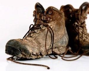clean-suede-combat-boots