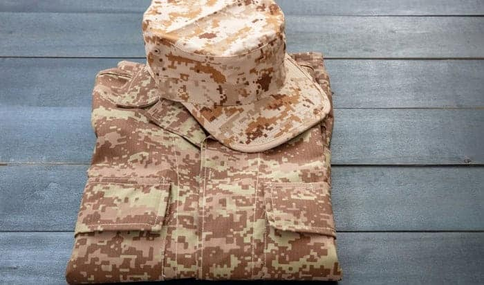 fold-clothes-military-styles