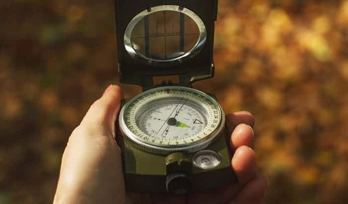 how to use a lensatic military compass