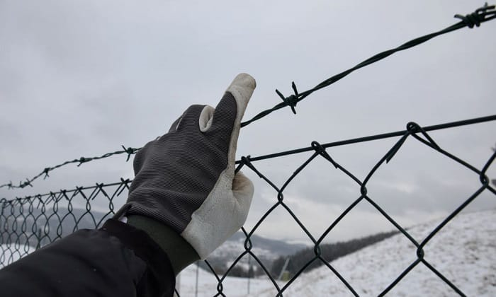 cold-weather-tactical-gloves