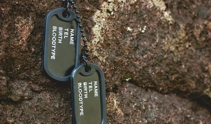 what are on military dog tags