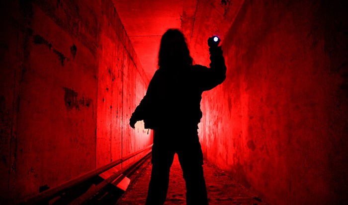 what is a red flashlight used for
